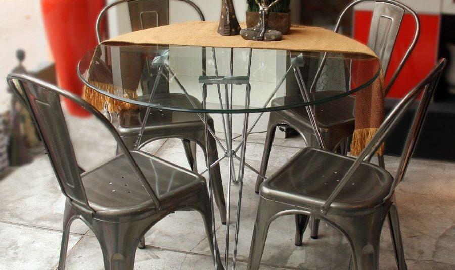 Mesa circular de estructura cromada 13