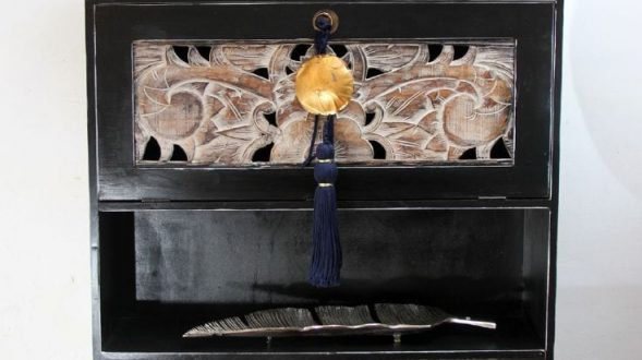 Mueble oriental. 2
