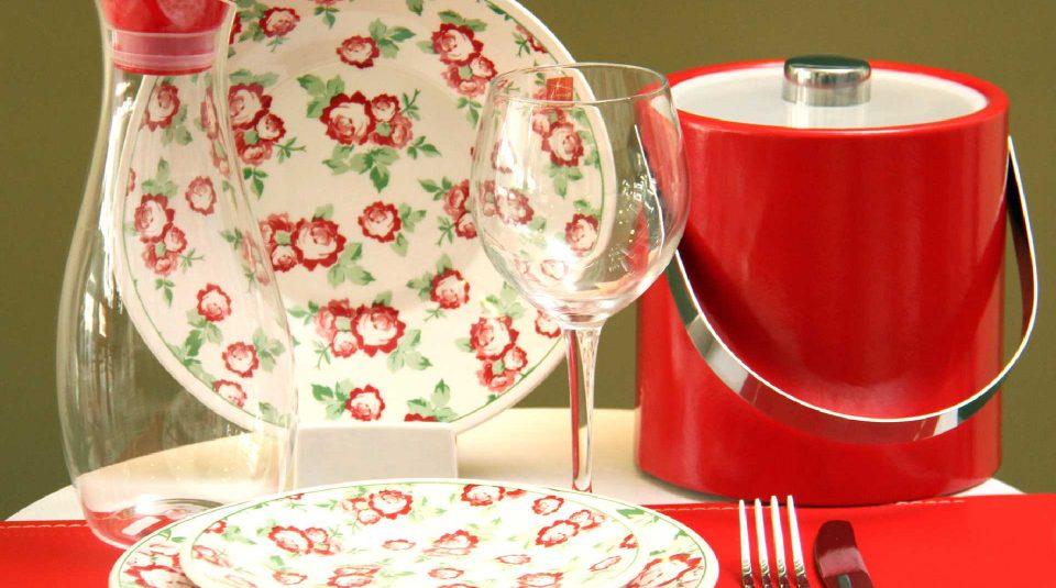 Vajilla de porcelana estampada roja 3