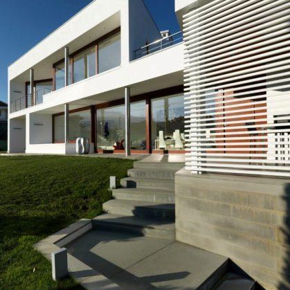 B- HOUSE 2