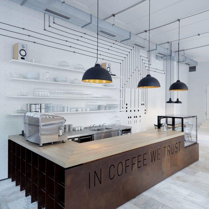 Iluminación personalizada en un Bar de Praga 1