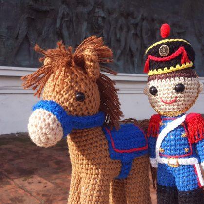 Personajes del Bicentenario en crochet 2