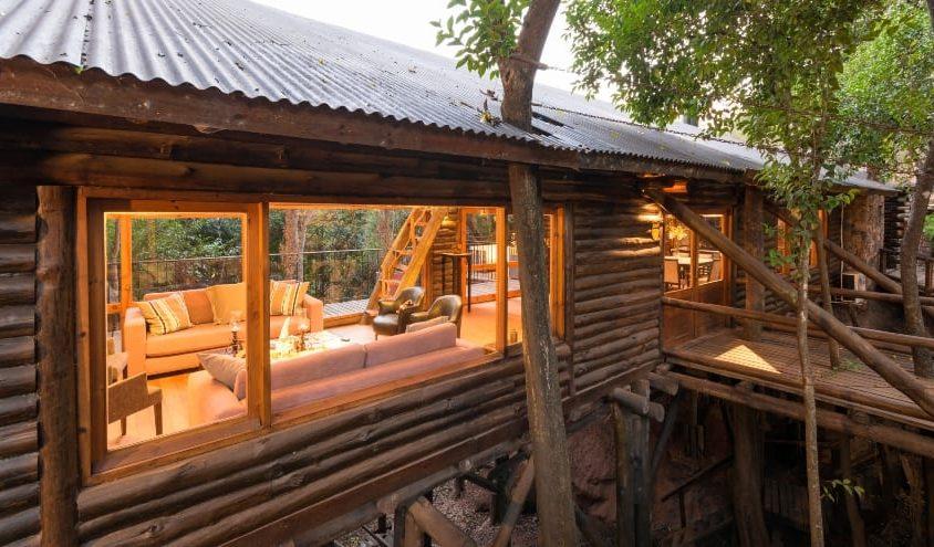 Una cabaña escondida en el bosque 16
