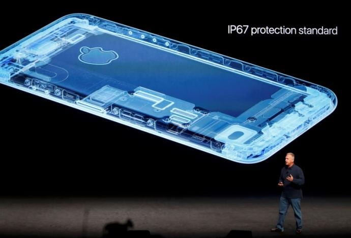 Apple presentó el iPhone 7 4