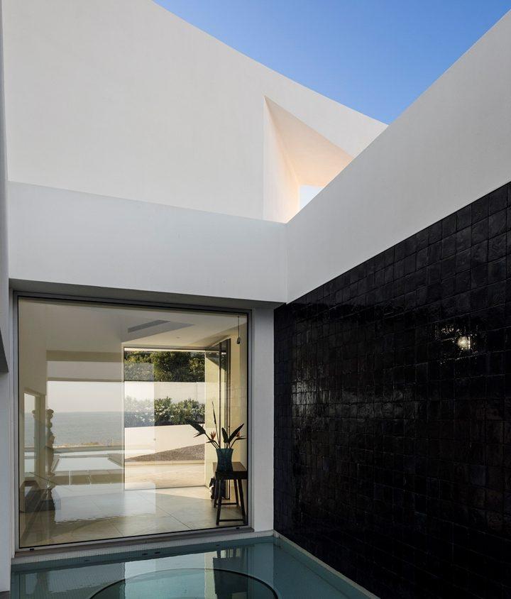 Elliptical House 14