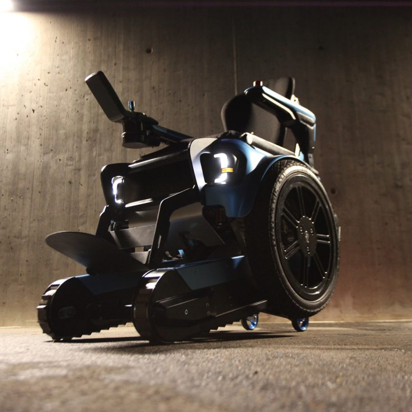 Una silla de ruedas todo terreno 10