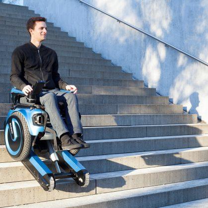 Una silla de ruedas todo terreno 11