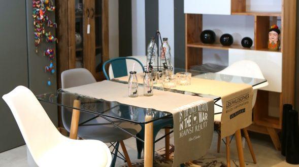 Mesa con tope de vidrio 32