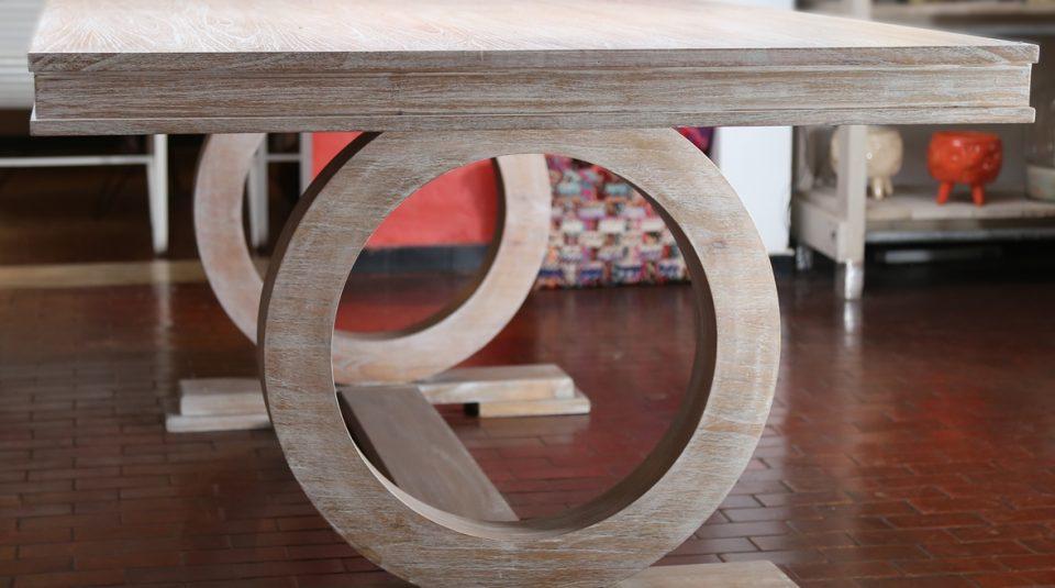 Mesa en madera natural clara 1