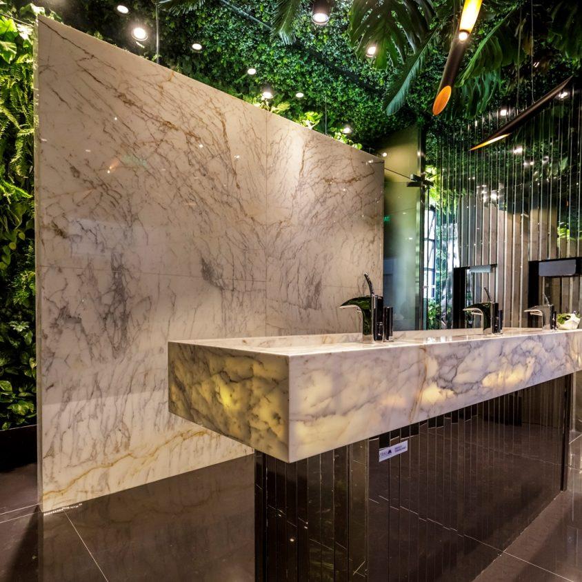 Baño Público - El Jardín Oculto 2