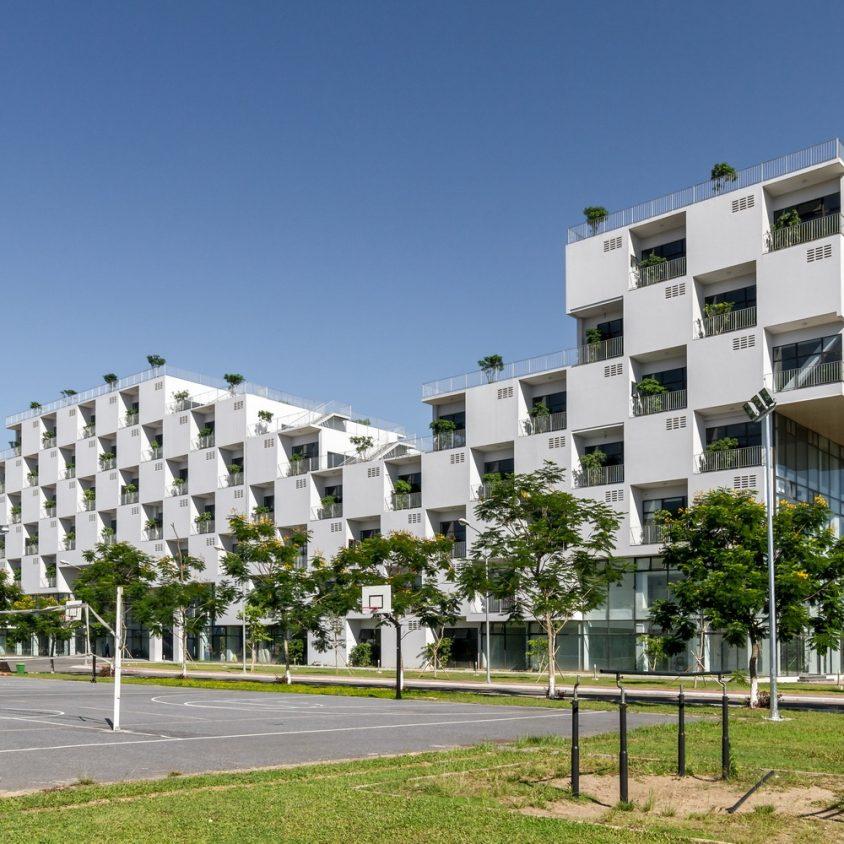 Universidad en Hanoi 4