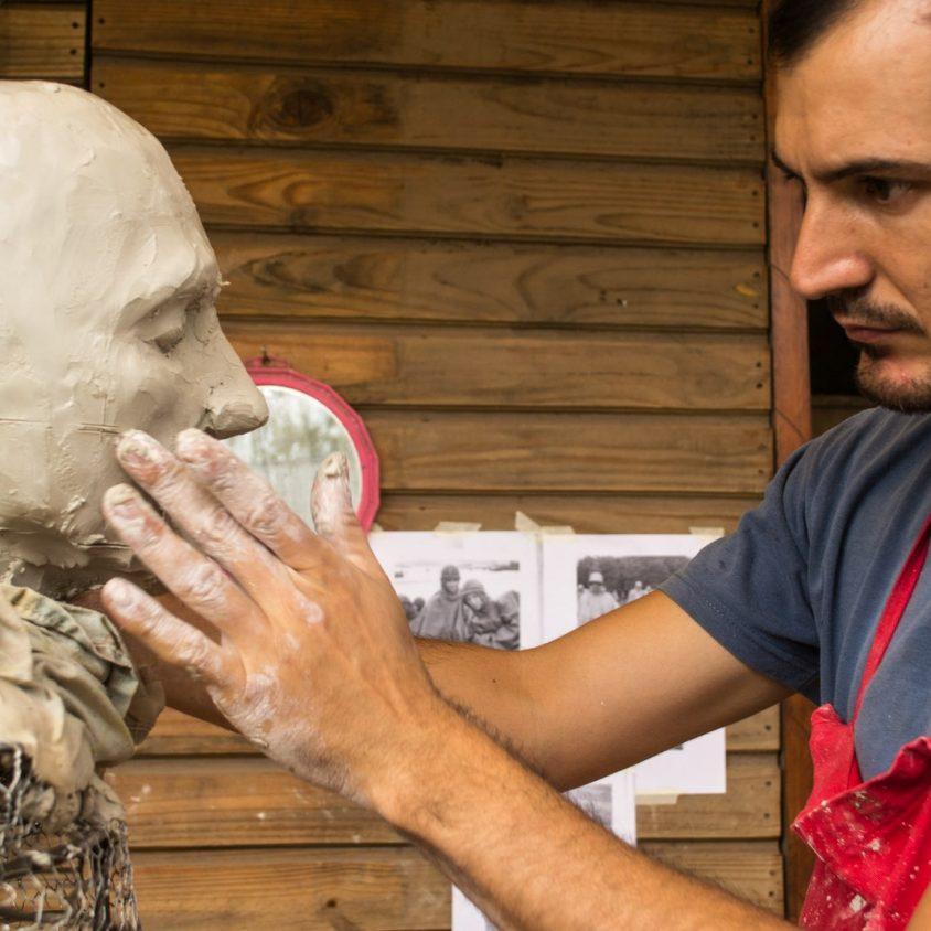 El escultor Pablo Salvador Rocha debuta en Córdoba 1