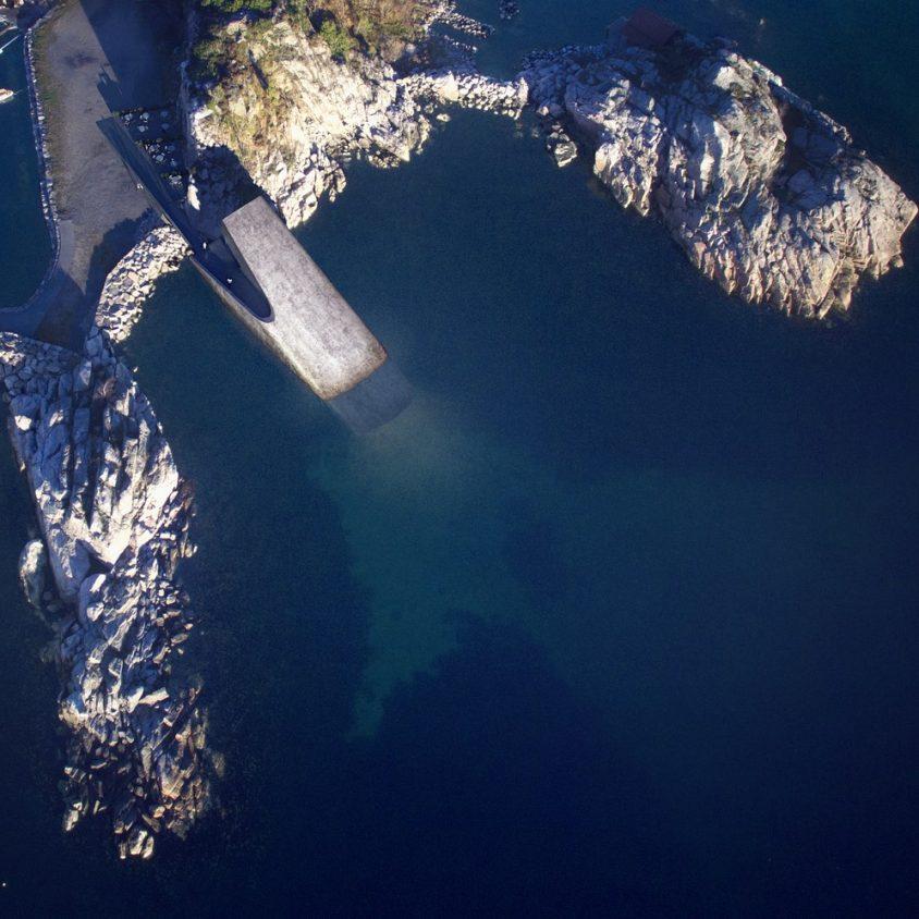 UNDER el restó submarino de Europa 1