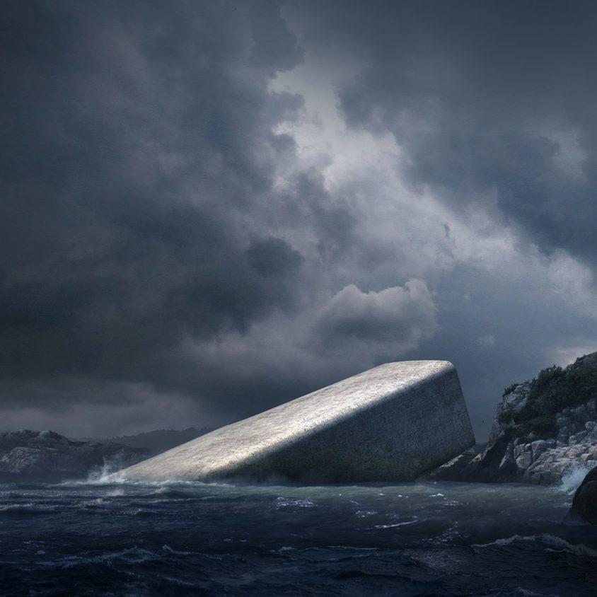 UNDER el restó submarino de Europa 3
