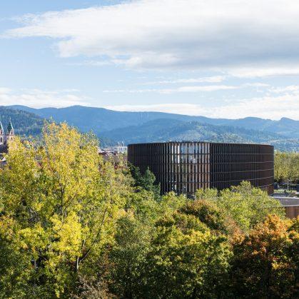 Centro de administración y guardería sustentable 10