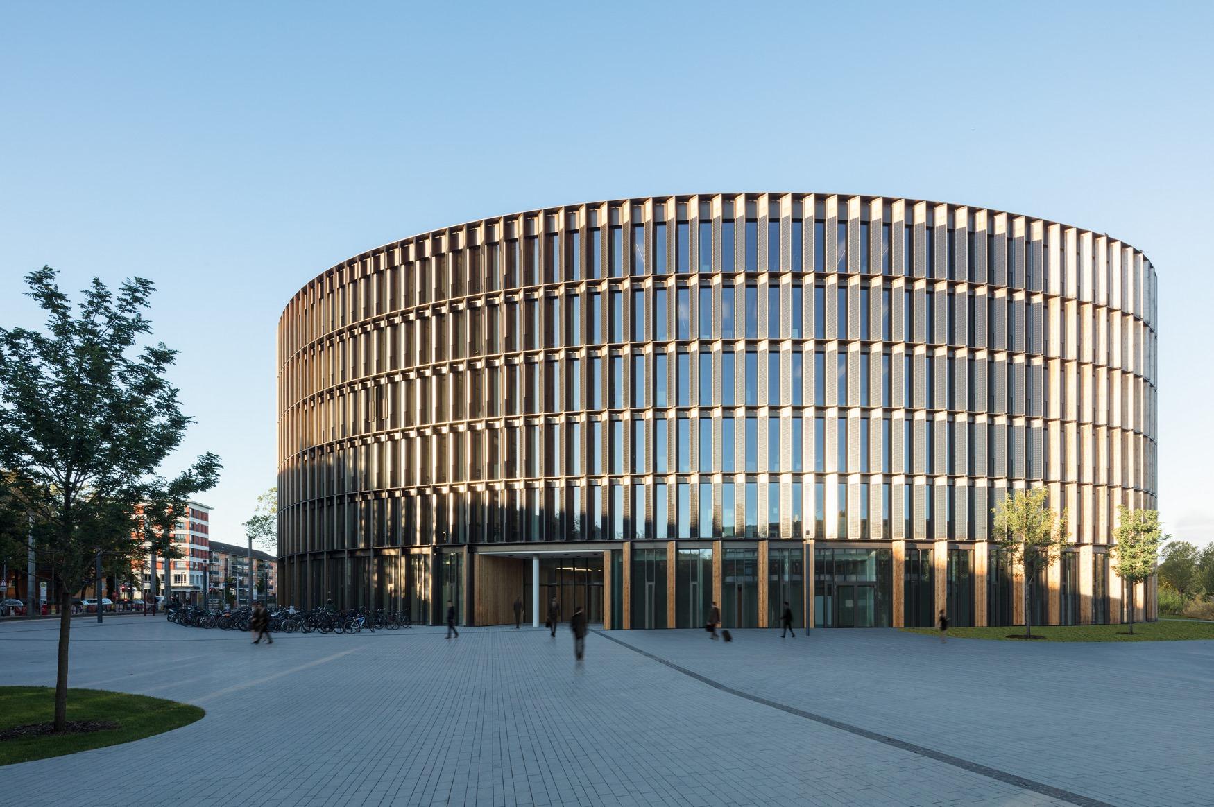 Centro de administración y guardería sustentable 22