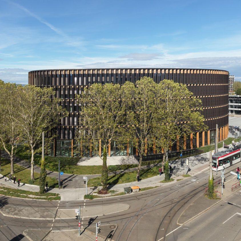Centro de administración y guardería sustentable 1