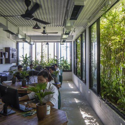 Oficinas y Jardines 18