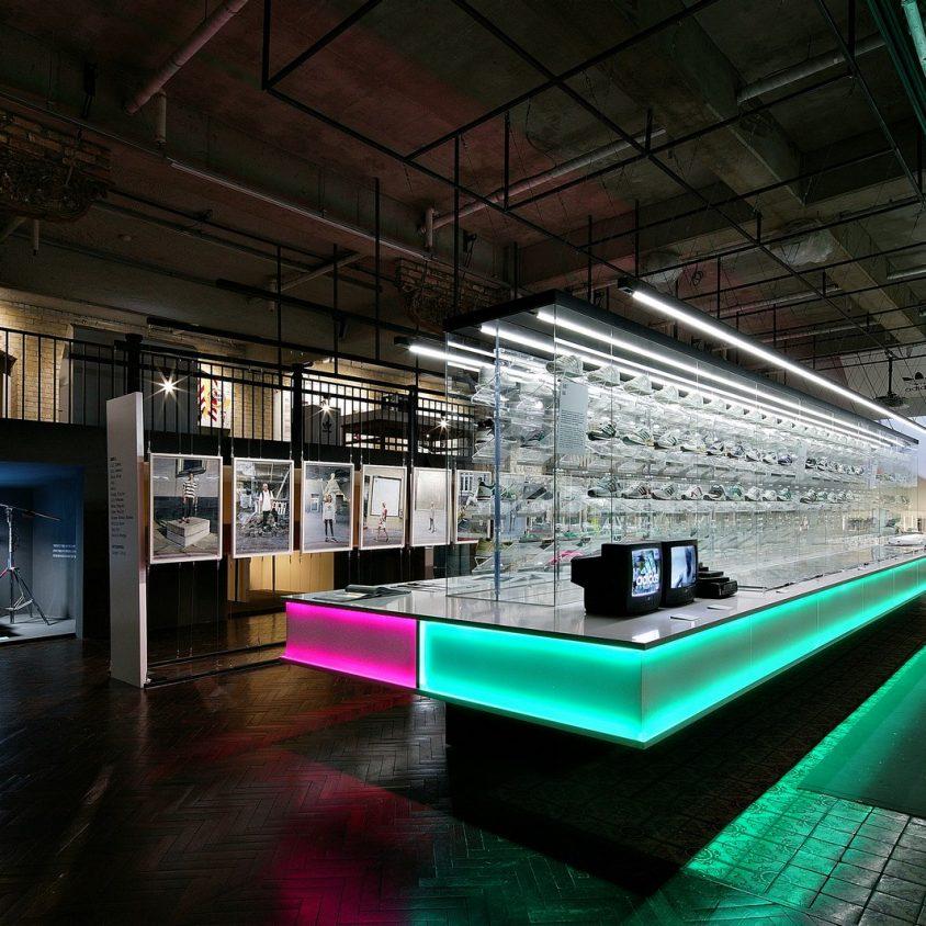 Exhibición SNKR y tienda Pop Up de Adidas 5