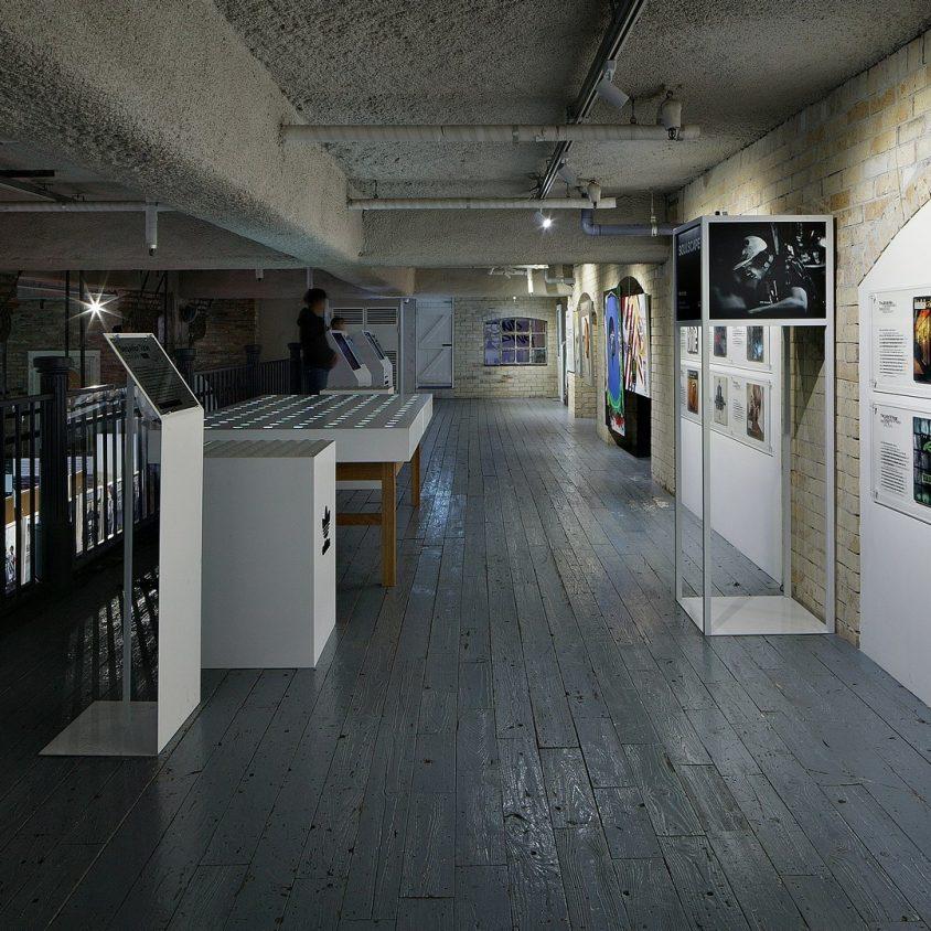Exhibición SNKR y tienda Pop Up de Adidas 10