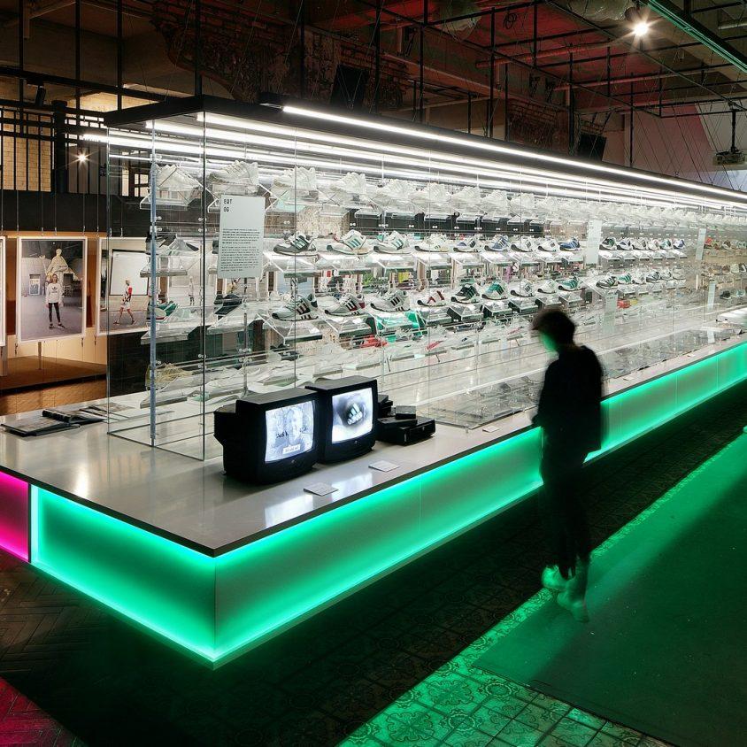 Exhibición SNKR y tienda Pop Up de Adidas 3