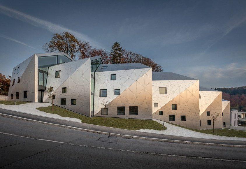 Edificio residencial con 15 unidades 3