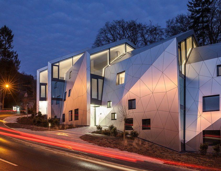 Edificio residencial con 15 unidades 8