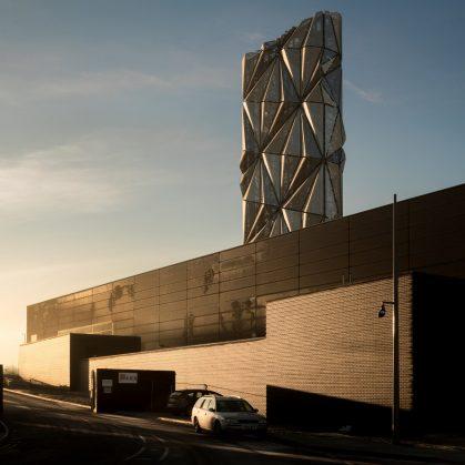 Arte y Arquitectura en una Planta de Energía 11