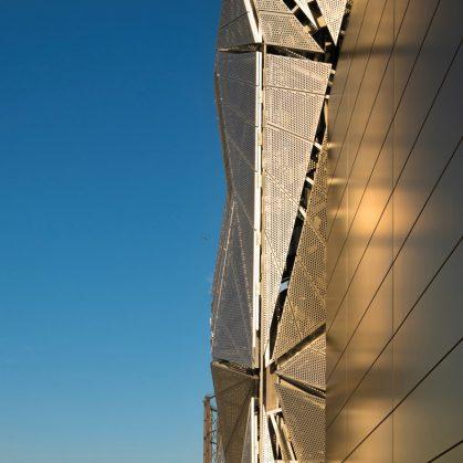 Arte y Arquitectura en una Planta de Energía 12