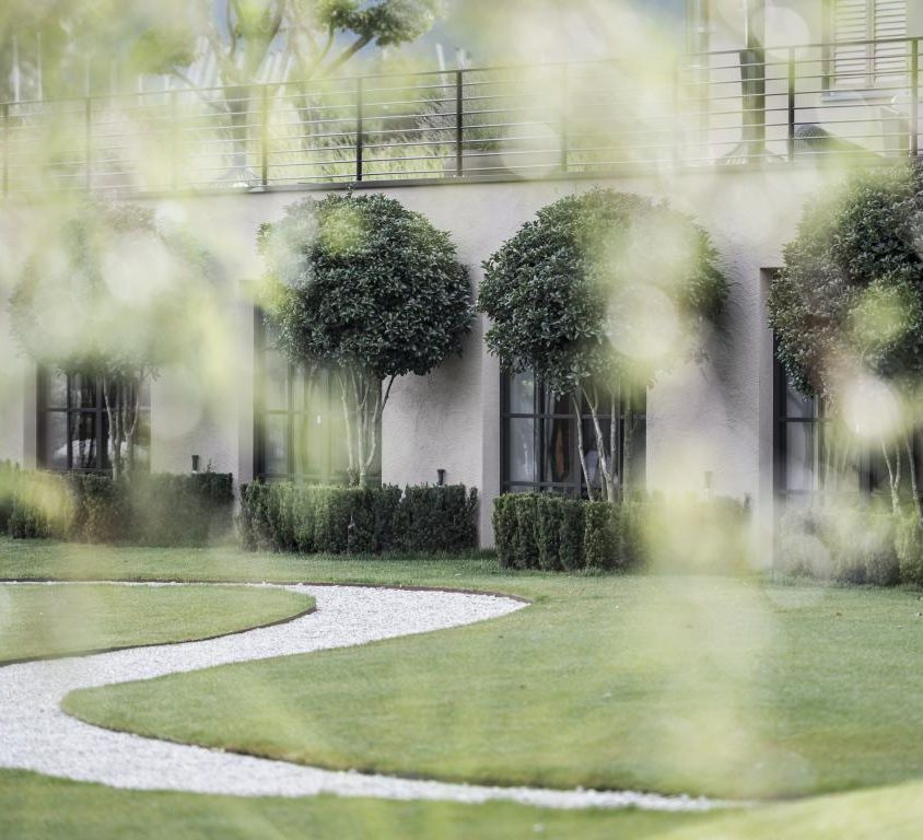 Hotel Seehof, una arquitectura de jardín 8