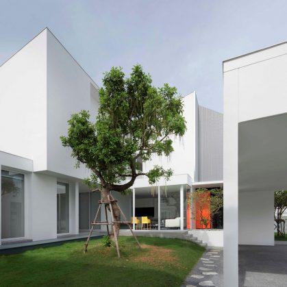 White Box by Ayutt 1