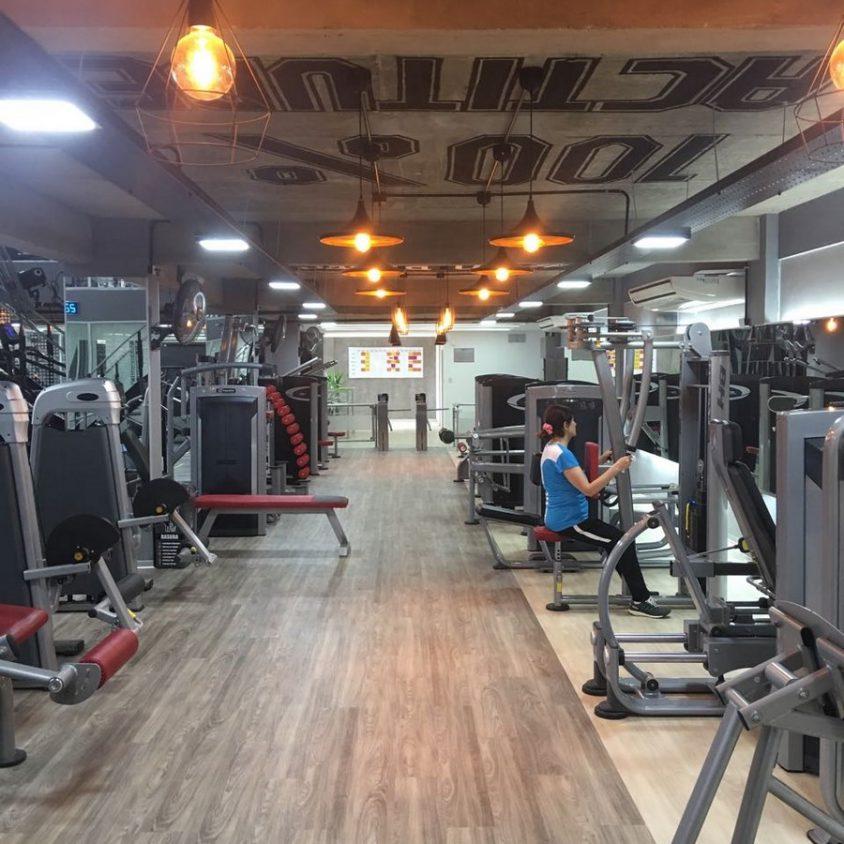 Pisos PVC Wud en el Jockey Gym 2