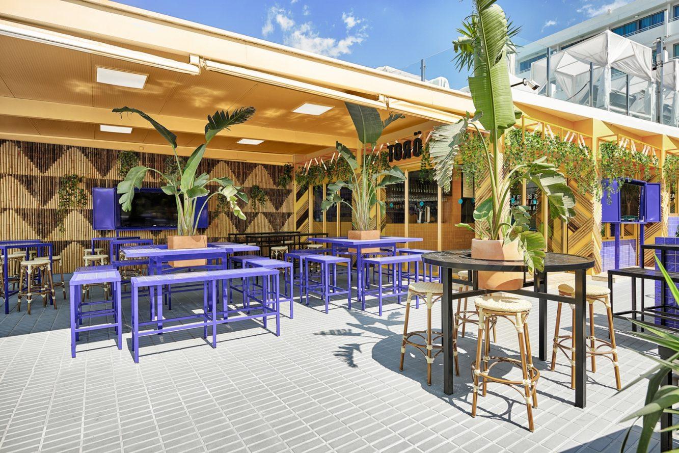 El remodelado Bar TORÖ en Ibiza 12