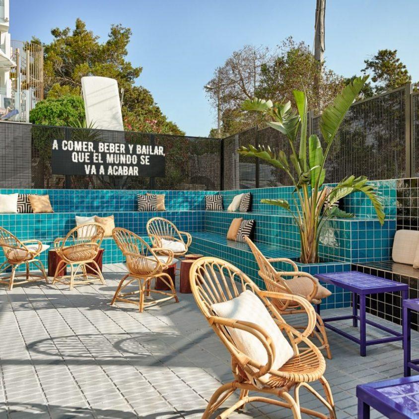 El remodelado Bar TORÖ en Ibiza 8