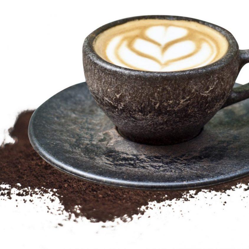 Un vaso de café realizado en café 11