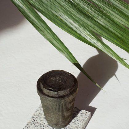 Un vaso de café realizado en café 3