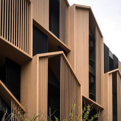 Un edificio con fachada de casa arquetípica 4