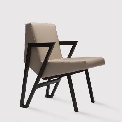 La silla imperfecta de Okha 13