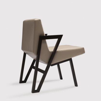 La silla imperfecta de Okha 15