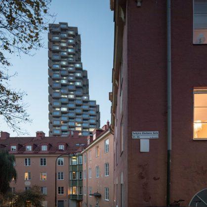 El primer edificio de Norra Tornen 6
