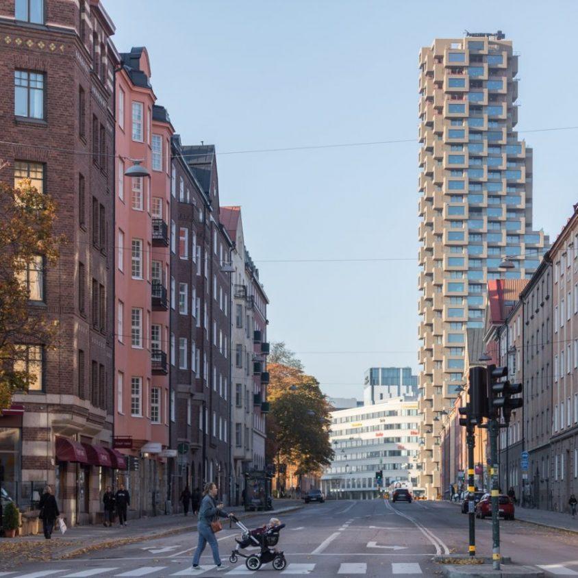 El primer edificio de Norra Tornen 4