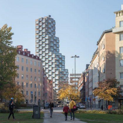 El primer edificio de Norra Tornen 5