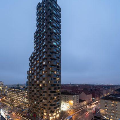 El primer edificio de Norra Tornen 13