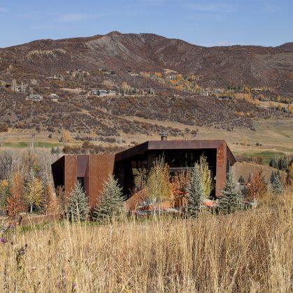 Owl Creek, una casa entre el cielo y las montañas 5