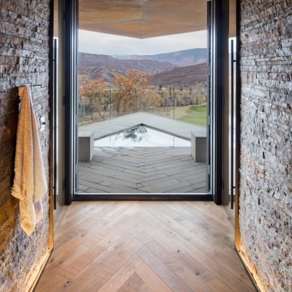 Owl Creek, una casa entre el cielo y las montañas 12