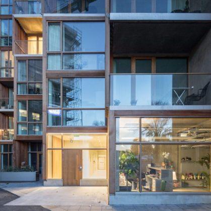 La madera y el vidrio son los protagonistas de 79 & Park 19