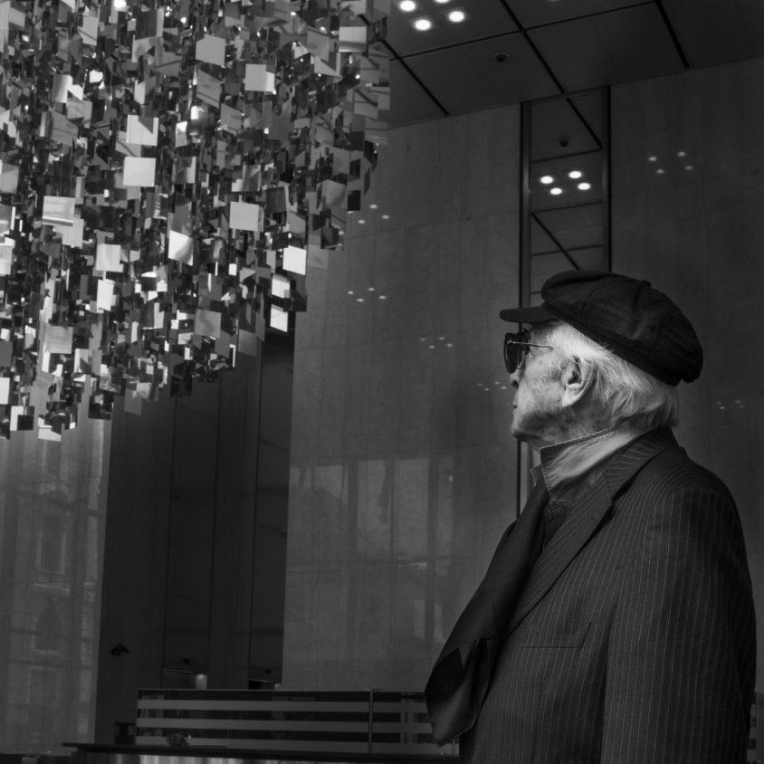 """""""Sphère Acier Miroir"""", por Julio Le Parc 9"""