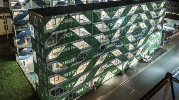 Drivelines Studios, un edificio hecho de contenedores 10