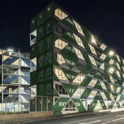 Drivelines Studios, un edificio hecho de contenedores 11