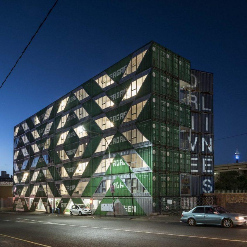 Drivelines Studios, un edificio hecho de contenedores 9